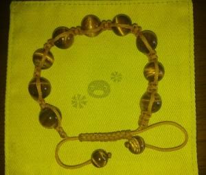 タイガーアイを使った金運ブレス