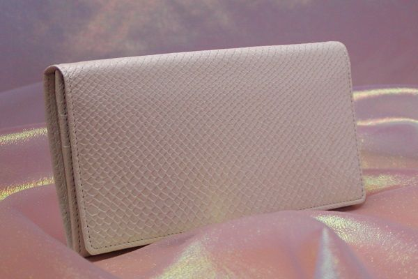 シンプル白蛇財布