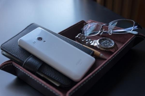 高級ペンと手帳と時計